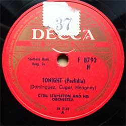 "пластинка патефонная CYRIL STAPLETON AND HIS ORCHESTRA ""Tonight (Perfidia) - Moonlight Serenade"" (Finnish press, vg+) (PG544)"