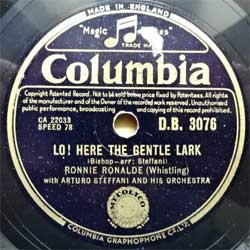 "пластинка патефонная RONNIE RONALDE (whistling) with ARTURO STEFFANI AND HIS ORCHESTRA ""Lo! Here The Gentle Lark - Soldiers In The Park"" (UK press, ex+) (PG557)"