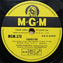 "пластинка патефонная M.G.M. STUDIO ORCHESTRA ""Adoration"" - LESLIE CARON & MEL FERRER with M.G.M. STUDIO ORCHESTRA ""Hi - Lili, Hi - Lo"" (1953 UK press, ex-) (PG571)"