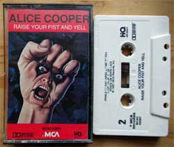аудиокассета ALICE COOPER ''Raise Your Fist And Yell'' (1987 USA press, HQ, Dolby HX PRO, MCAC-42091, ex+/near mint) (MC3353)