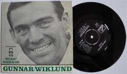 винил LP GUNNAR WIKLUND ''Mest Av Allt - Nu Reser Jag Hem'' (7''single) (1965 Sweden press, laminated, ex+/mint)